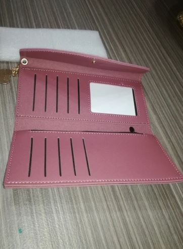 Compagnon pour femme en cuir de marque rose
