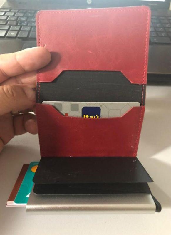 porte carte pour homme en cuir pas cher de marque rouge