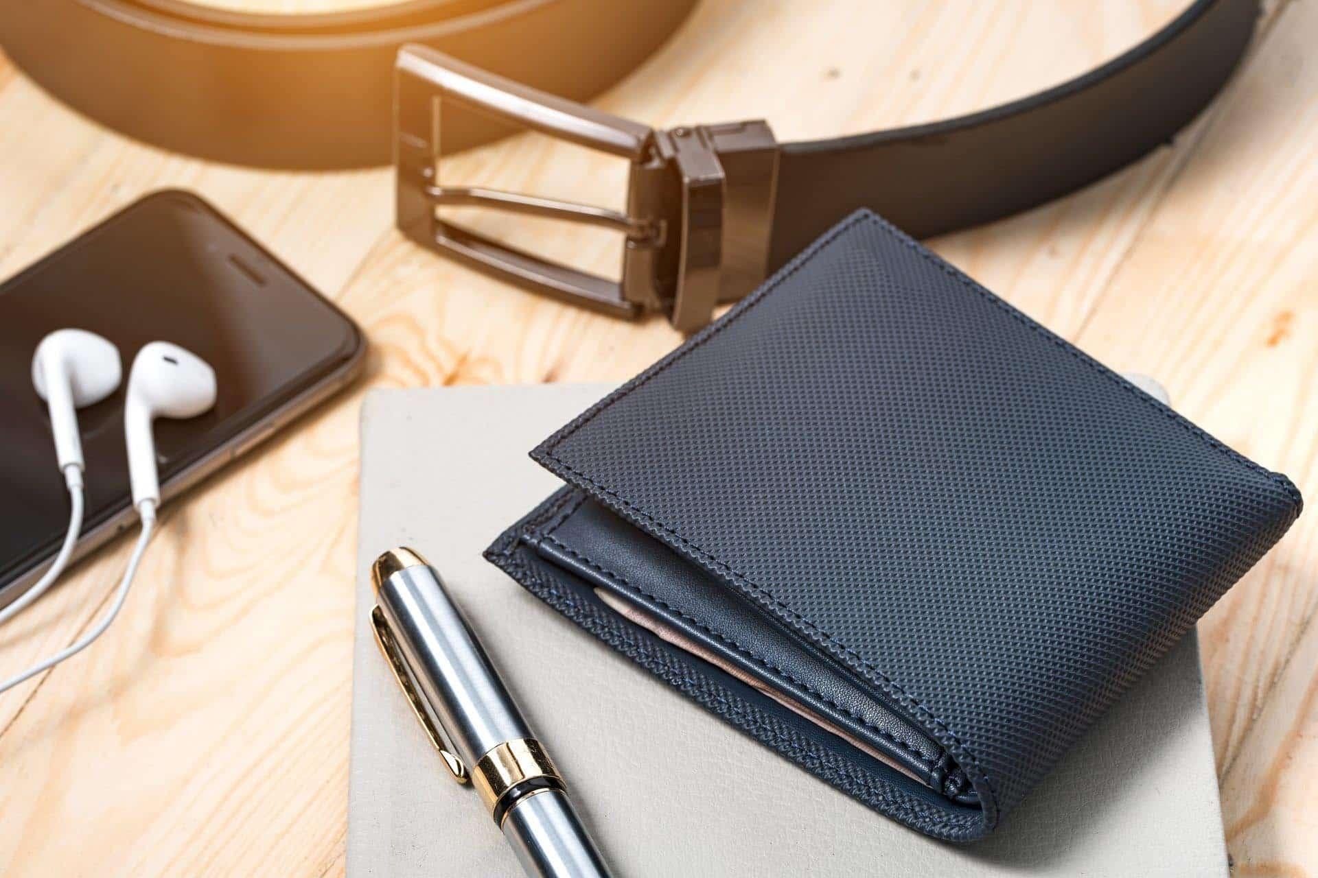 7 Conseils d'experts sur la façon de choisir le bon portefeuille pour homme 2